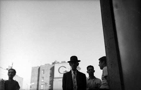 "Saul Leiter, ""Man with Tie"", c.1949.jpg"