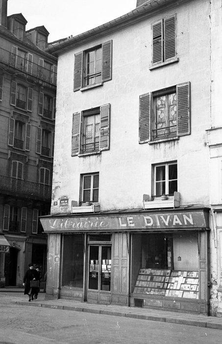 Le Divan - Robert Doisneau.jpeg