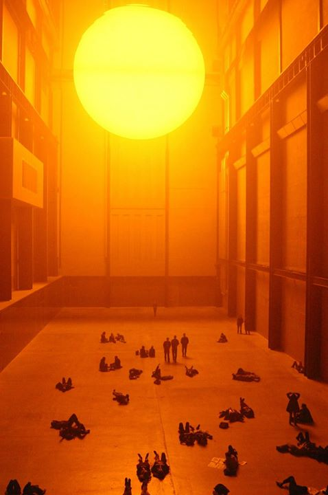 2003 - Olafur Eliasson The Weather Project, Tate Modern.jpg