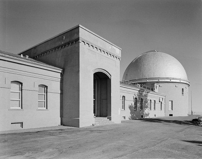Lick_Observatory-West_Front.jpg